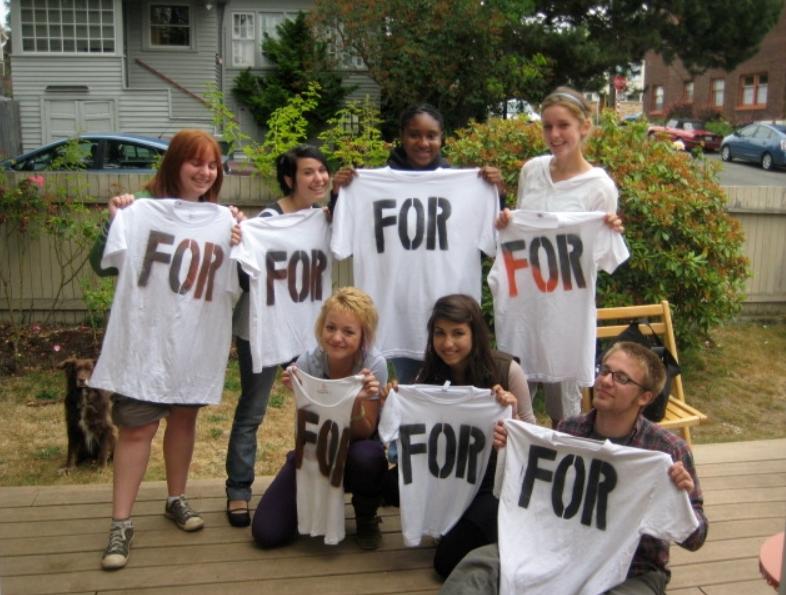 2008-PATs-holding-T-Shirts